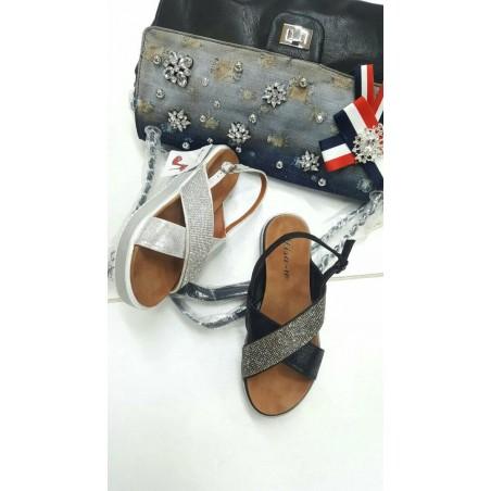 Sandali fasciati con strass in nero e argento